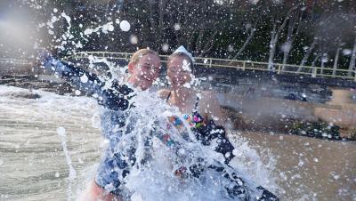 Happy splashy